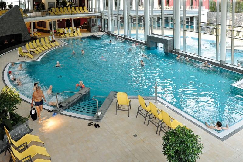 Hotel am schwanenweiher bad bertrich glauber salt thermal for Spa hotel eifel germany